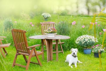 Gartenidyll - Sitzgruppe im Garten