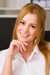 Portrait einer hübschen Auszubildenden