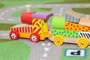 Eine Eisenbahn aus Holz