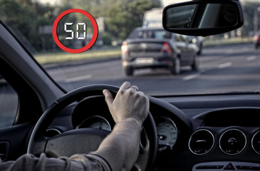 head-up system shows the limit of 50 km/h