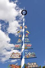 Maibaum auf dem Viktualienmarkt in München
