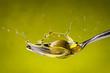 canvas print picture - olio di oliva splash