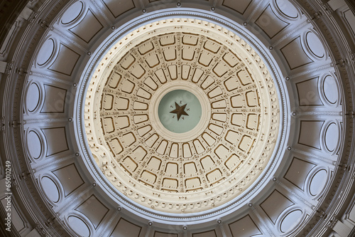 In de dag Texas The Texas State Capitol's Rotunda Ceiling in Austin, Texas
