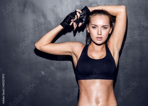 Leinwanddruck Bild young fitness woman