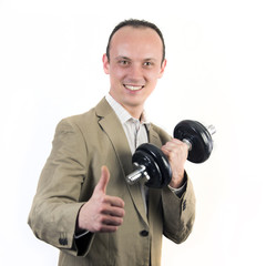 Mann mit Hantel im Sakko