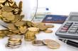 Euromünzen Taschenrechner und Kreditkarte