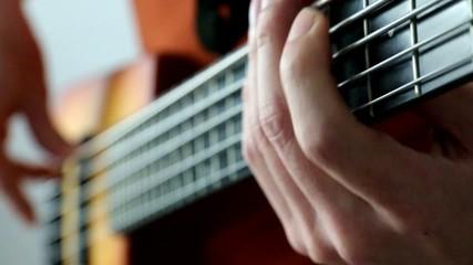 五弦ベース