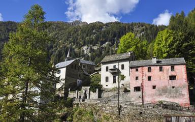 Fusio, Tessiner Bergdorf, Dorf, Kirche, Tessin, Herbst, Schweiz