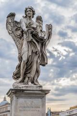Statua angelo a Roma
