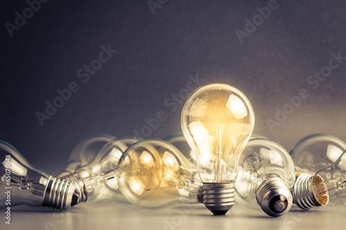 Leinwandbild Motiv Light bulbs