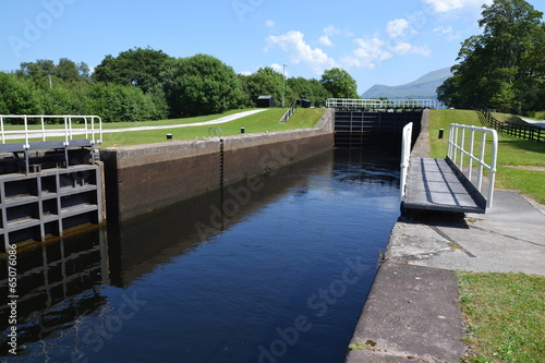 Fotobehang Kanaal - Neptunes Staircase on the Caledonian Canal ...