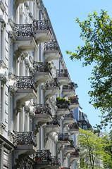 Balkone an Altbauzeile