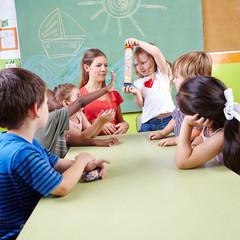 Musikpädagogik im Kindergarten mit Regenmacher