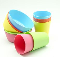 Cuencos y vasos de plastico