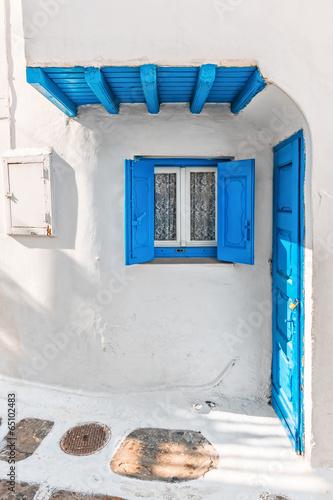 Fototapeta Mały typowy dom w Mykonos