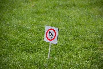 Rasen Gras Hinweisschild