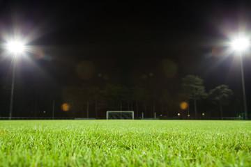 fußballfeld mit beleuchtung