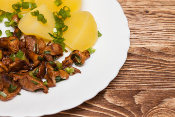 Chanterelle and potatoes