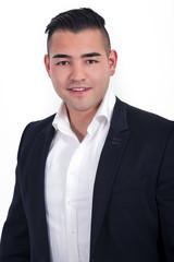 Junger sympathischer asiatischer Mann Portrait