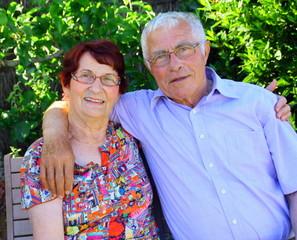 portrait couple 75 ans,heureux