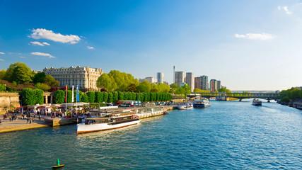 Seinefahrt in Paris