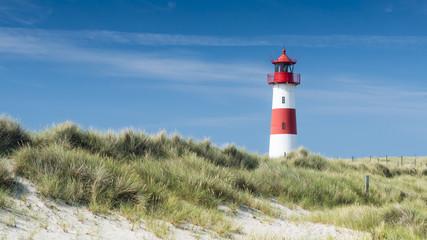 Lightouse on dune horizontal