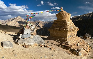 Stupas in Murgum La Pass - Zanskar trek, India
