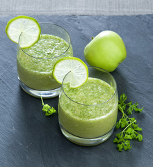 smoothies from apple and lime