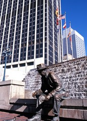Statue and skyscrapers, Atlanta, USA © Arena Photo UK