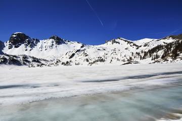 lac d'allos gelé