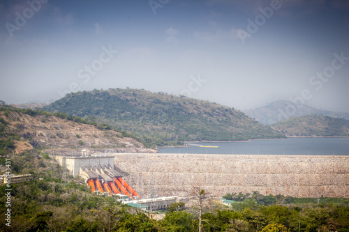 In de dag Dam Akosombo Hydroelectric Power Station on the Volta River in Ghana