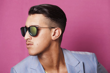 Man wearing sunglasses profile