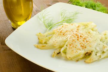 Finocchi gratinati in besciamella, cucina italiana
