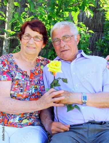 couple,75 ans, heureux d'être ensemble Poster