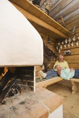 Senior Paar Entspannung im Jagdschloss