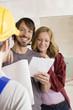 Bauarbeiter und jungen Paar,Lächeln,Portrait