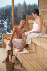 Älteres Paar in der Sauna