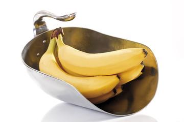 Bananen in Metallschaufel, close-up