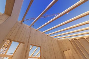 Offenes Dach mit Kran