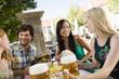 canvas print picture - Deutschland,Bayern,Oberbayern,Junge Menschen in Biergarten