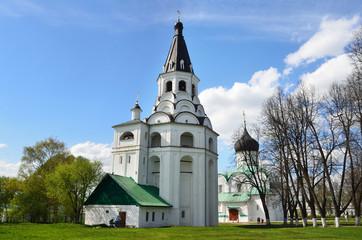 Распятская церковь-колокольня в Александровской слободе