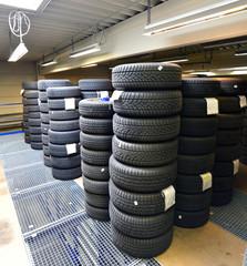 Reifenstapel zur Aufbewahrung // Tire stack for storage