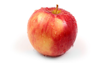 Яблоко Gala с каплями воды