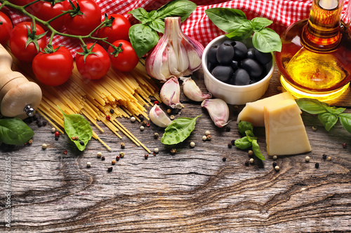 Vegetables,herbs and spices for Italian food плакат