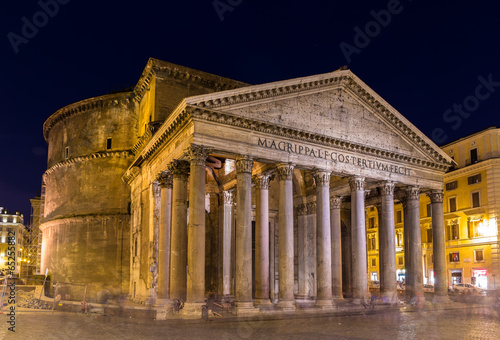 Staande foto Athene Night view of Pantheon in Rome, Italy
