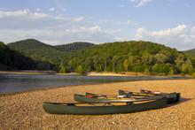 "Постер, картина, фотообои ""Canoes on the riverbank"""