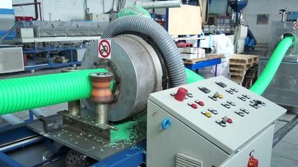 Производство пластиковых труб 1