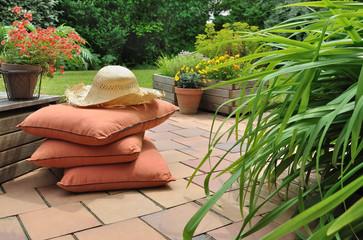 terrasse détente avec coussins