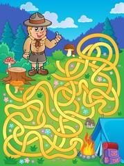 Maze 1 with scout boy