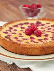 Fruit tart with raspberry and white chocolate